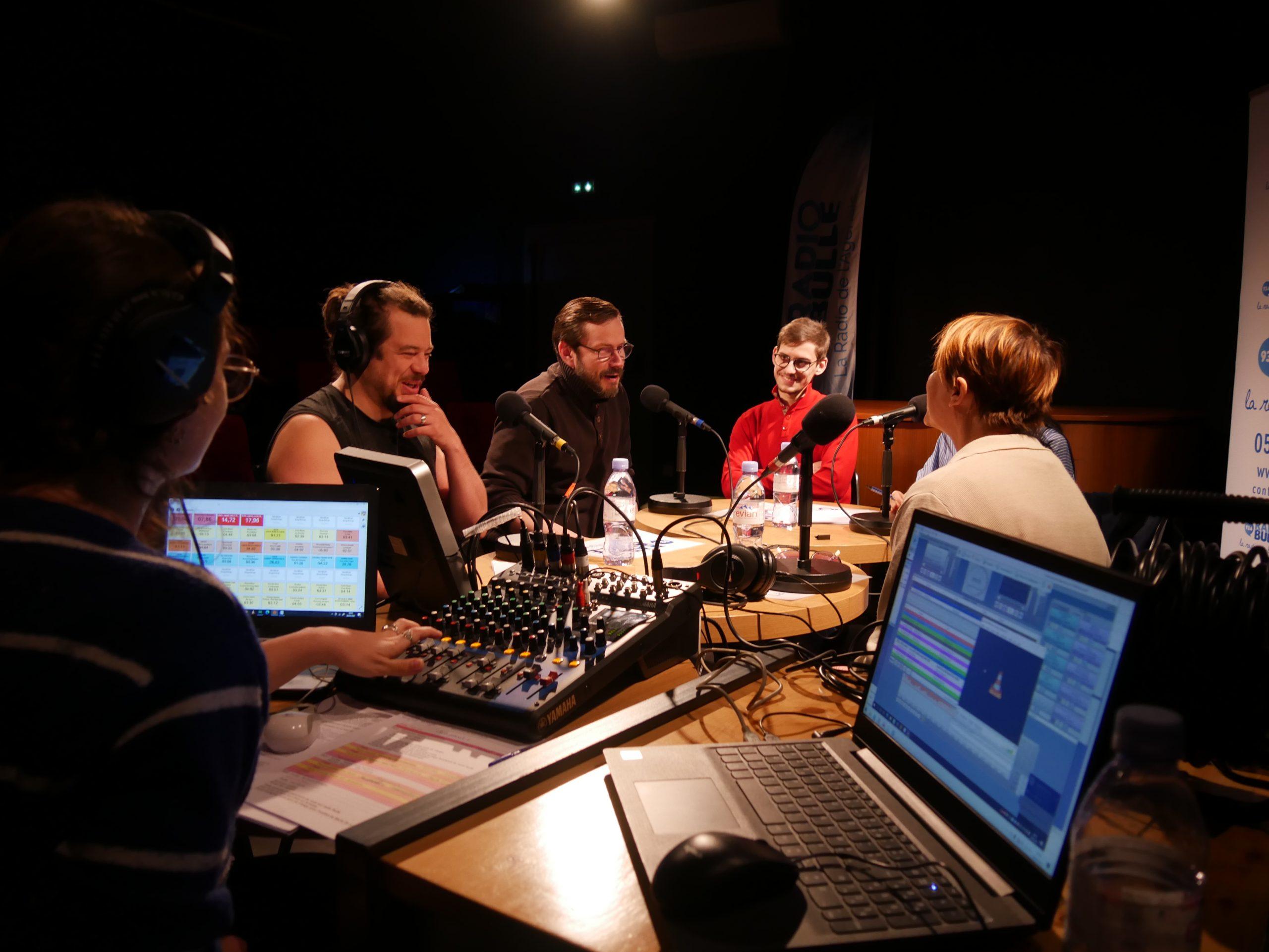 Radio Bulle fête la réouverture des lieux culturels au Contrepoint Café Théâtre